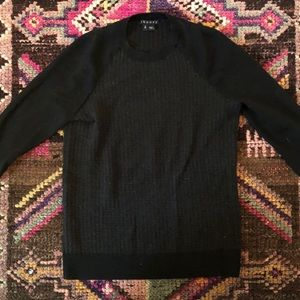 Theory sweater P (fits like an XS)